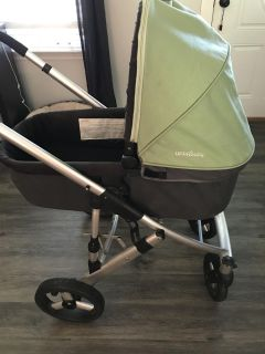 Uppababy bassinet and Chicco converter for chicco car seat