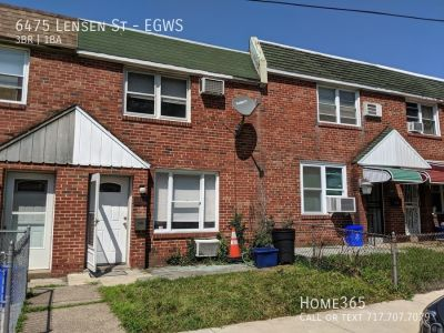 Beautifully Updated 3 Bed / 1 Bath Row home!