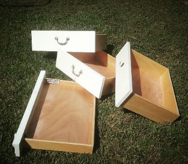 4 drawers. Solid wood. Broyhill