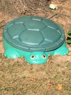 Little tykes Turtle Sandbox with cover