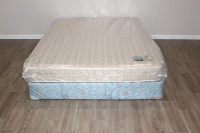 Queen size Serta Perfect Sleeper Total Suspension System mattress
