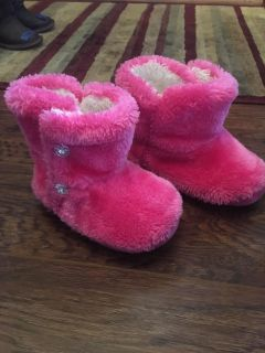 Size 5-6 slippers