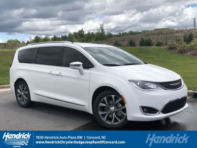 2018 Chrysler Town & Country Limited ()