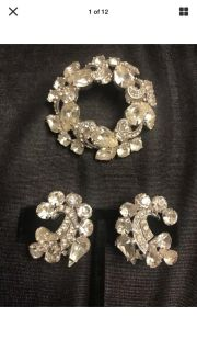 Antique Vintage Weiss Signed Clear Rhinestone Pin Brooch Circular with Clip-on Earrings
