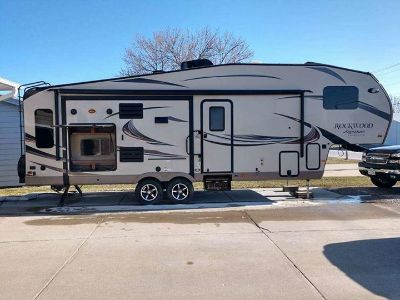 2016 Forest River ROCKWOOD SIGNATURE ULTRA