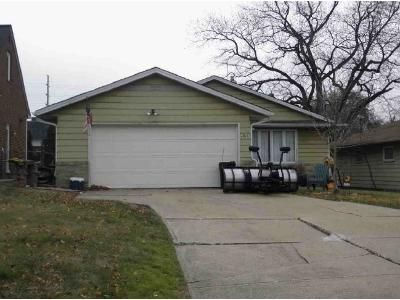 3 Bed 1 Bath Foreclosure Property in Cleveland, OH 44143 - Donald Ave