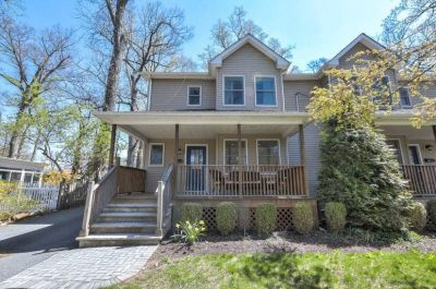 $4950 3 townhouse in Summit