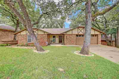 4410 Rain Forest Drive ARLINGTON Three BR, CHARMING home in South