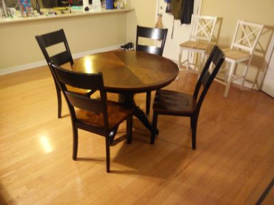 Dining Table Circle Breakfast Table