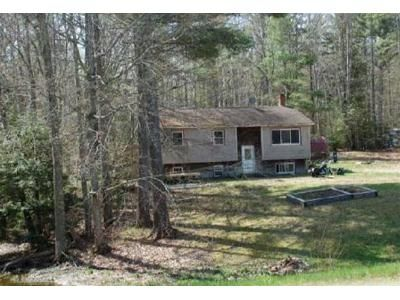 3 Bed 1 Bath Foreclosure Property in Belfast, ME 04915 - Back Belmont Rd