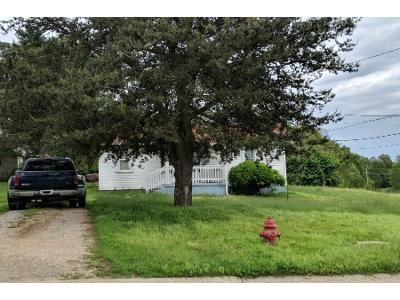 1 Bed Preforeclosure Property in Lebanon, MO 65536 - S Adams Ave