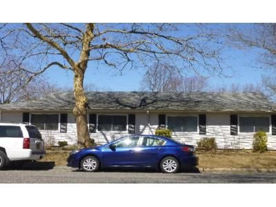 2 Bed 1 Bath Foreclosure Property in Central Islip, NY 11722 - Feller Dr