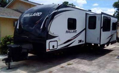 By Owner! 2018 31 ft. Heartland Mallard Ultra Lite w/slide