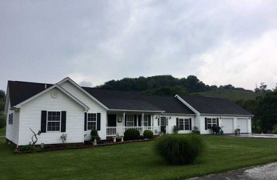 83 Lakehill Road Rosedale Four BR, spacious one level ranch on
