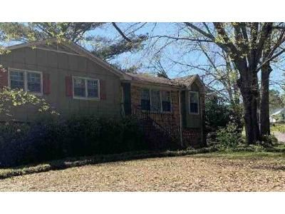 3 Bed 2 Bath Foreclosure Property in Birmingham, AL 35235 - Carraway St