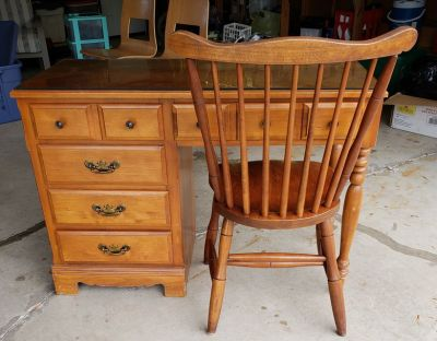 Vintage Maple 5 Drawer Desk And Chair