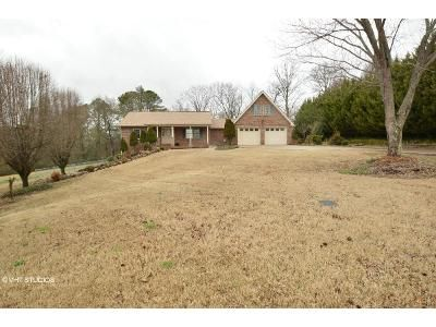 3 Bed 2 Bath Foreclosure Property in Madisonville, TN 37354 - Mountain View Rd
