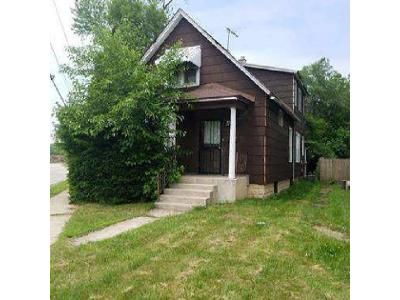 5 Bed 2 Bath Foreclosure Property in Dolton, IL 60419 - E 142nd St