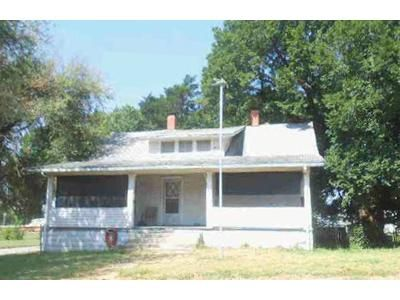 3 Bed 1 Bath Foreclosure Property in Arkansas City, KS 67005 - S 3rd St