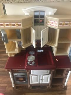 Well loved play kitchen