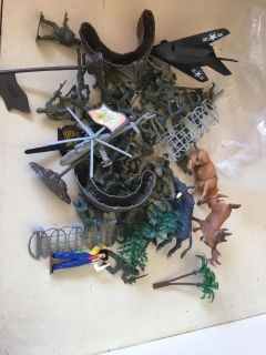 Army men and some animals