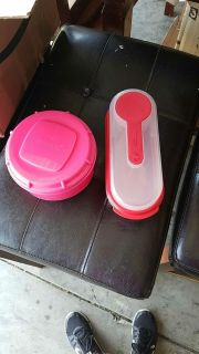 2 lunch containers