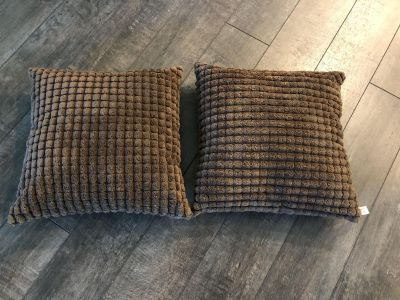 Brand new couch dark brown pillows.