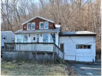 4 Bed 1.5 Bath Foreclosure Property in Stanhope, NJ 07874 - Lackawanna Dr