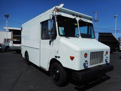 2004 Freightliner MT45 11' Step Van (White)