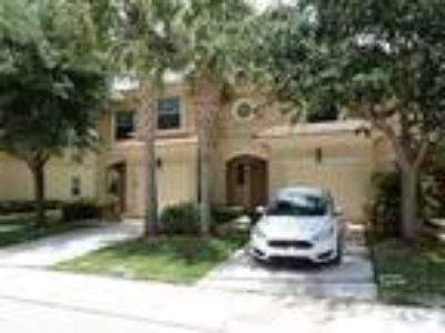 Beautiful 2/2.5 W/Garage Town Home in Seminole Lake Estate in Royal Palm Beach