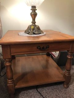 (2) Two solid wood end tables. Some scratches as shown in pics.