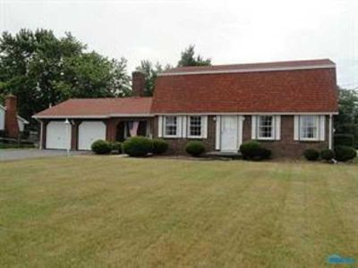 10427 Five Point Road Perrysburg Four BR, Perfect home on large