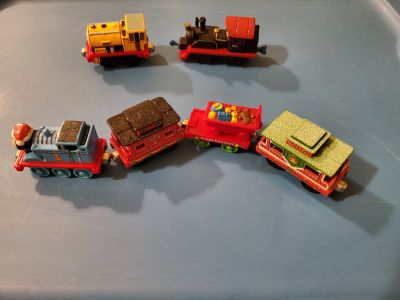 Thomas the Train magnetic holiday set plus more VGUC price firm