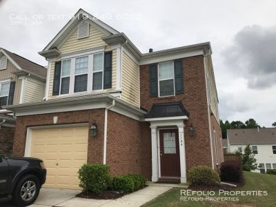 End Unit Townhome in Davis Village Subdiv. Cary!