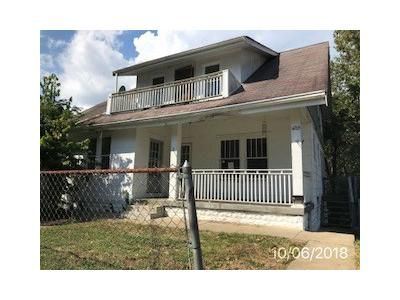 5 Bed 3 Bath Foreclosure Property in Latonia, KY 41015 - Victory Ave