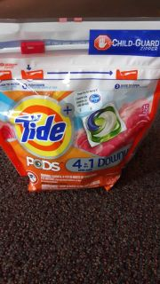 Tide Pods 4 in 1 Downy 15 pack