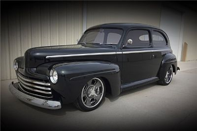 1947 Ford Deluxe Custom Sedan Custom (Black Jade Pearl)