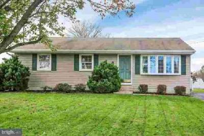 2208 High St Elizabethtown, This Ranch Home is Ready for You