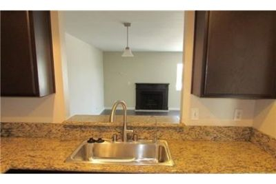 2 bedrooms Condo - Villas is located in a part of the exciting downtown, yet.
