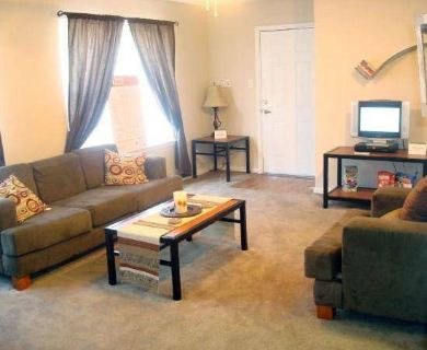 - $455 Cheap apartment for rent moving asap (200 Theater st.)