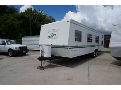 $7,900, 1999 Dutchmen 300L Destination Trailers