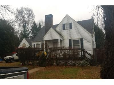 3 Bed 1.5 Bath Preforeclosure Property in Bridgeton, NJ 08302 - Glen Dr