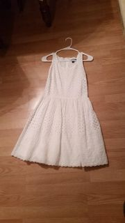 Old Navy Eyelet Dress Size 4, early bird gets the buys