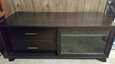NICE TV STAND W/ 2 DRAWERS & A CABINET