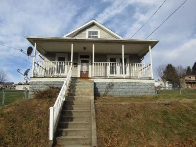 3 Bed 1 Bath Foreclosure Property in Moundsville, WV 26041 - Walnut Ave