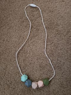 Necklace teether