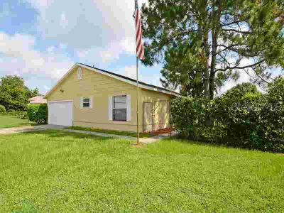423 Cardinal Court POINCIANA, This charming cottage style