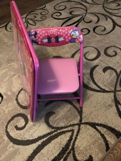 Minnie Mouse table and chair