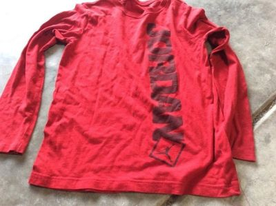Boy s large AIR JORDAN tee