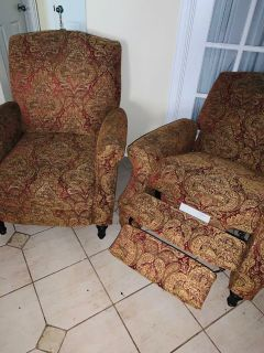 2 reclining decorative chairs